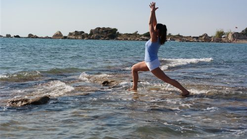 yoga-meer-krieger-urlaub