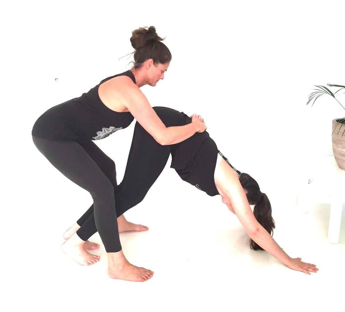 yogaausbildung-haltung-korrigieren